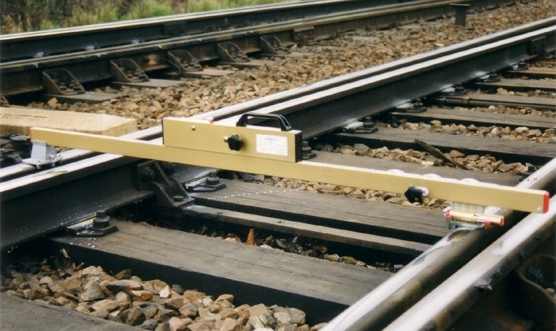 GAUGE FOR SWITCHES AND CROSSINGS (TURNOUTS)